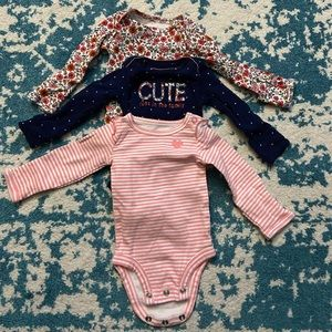 Carters newborn long sleeve onsie bodysuit mitten